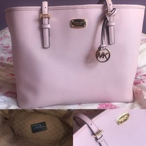 Close to new Michael Kors Large tote